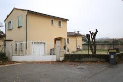 Villa à Loriol-du-Comtat avec grand jardin