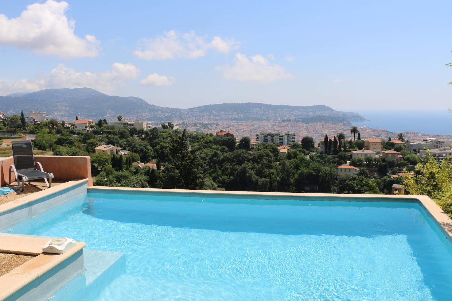 nice villa avec piscine et vue mer agence du comtatagence du comtat. Black Bedroom Furniture Sets. Home Design Ideas