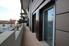 Avignon: T3 avec terrasse et parking