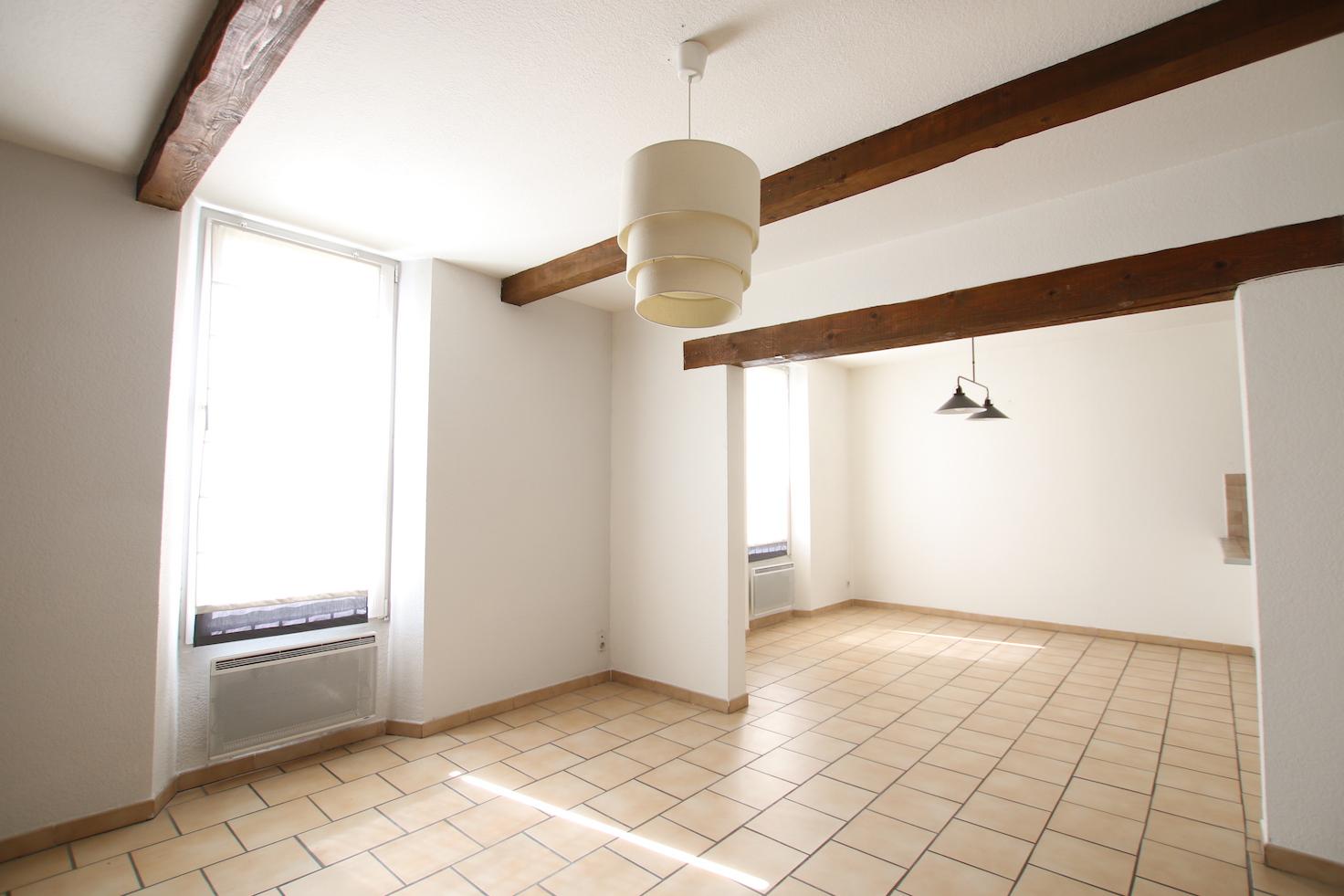 Carpentras : T3 spacieux avec balcon