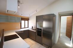 Pernes-les-Fontaines : Spacieux appartement style loft