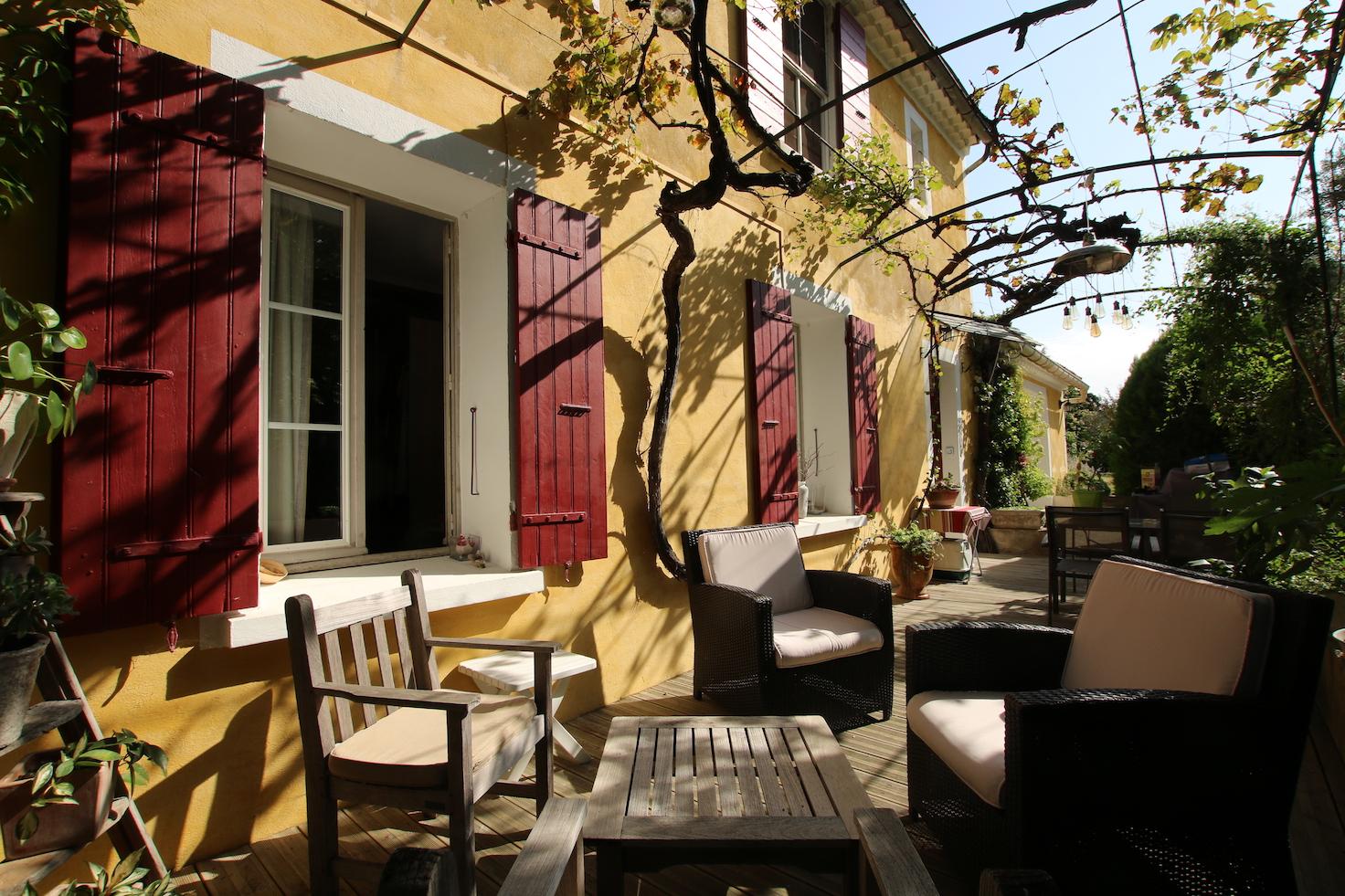 Carpentras : bâtisse provençale
