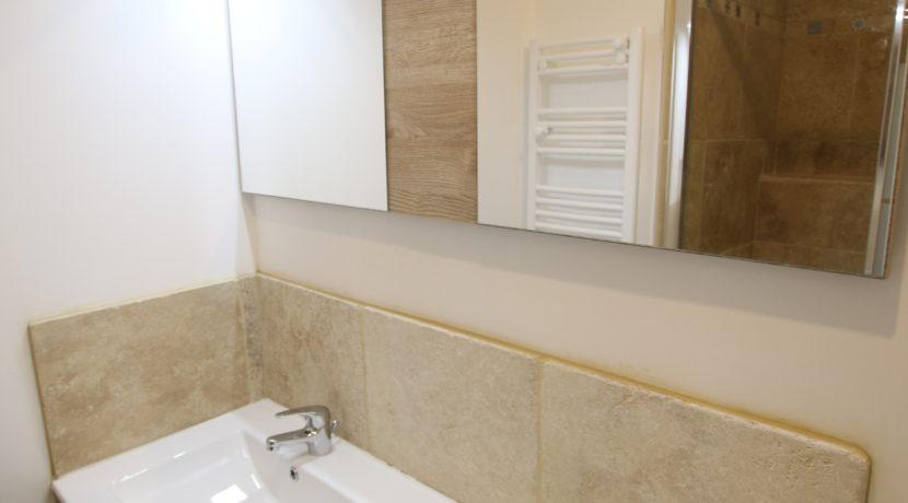maison avec terrasse salle de bain