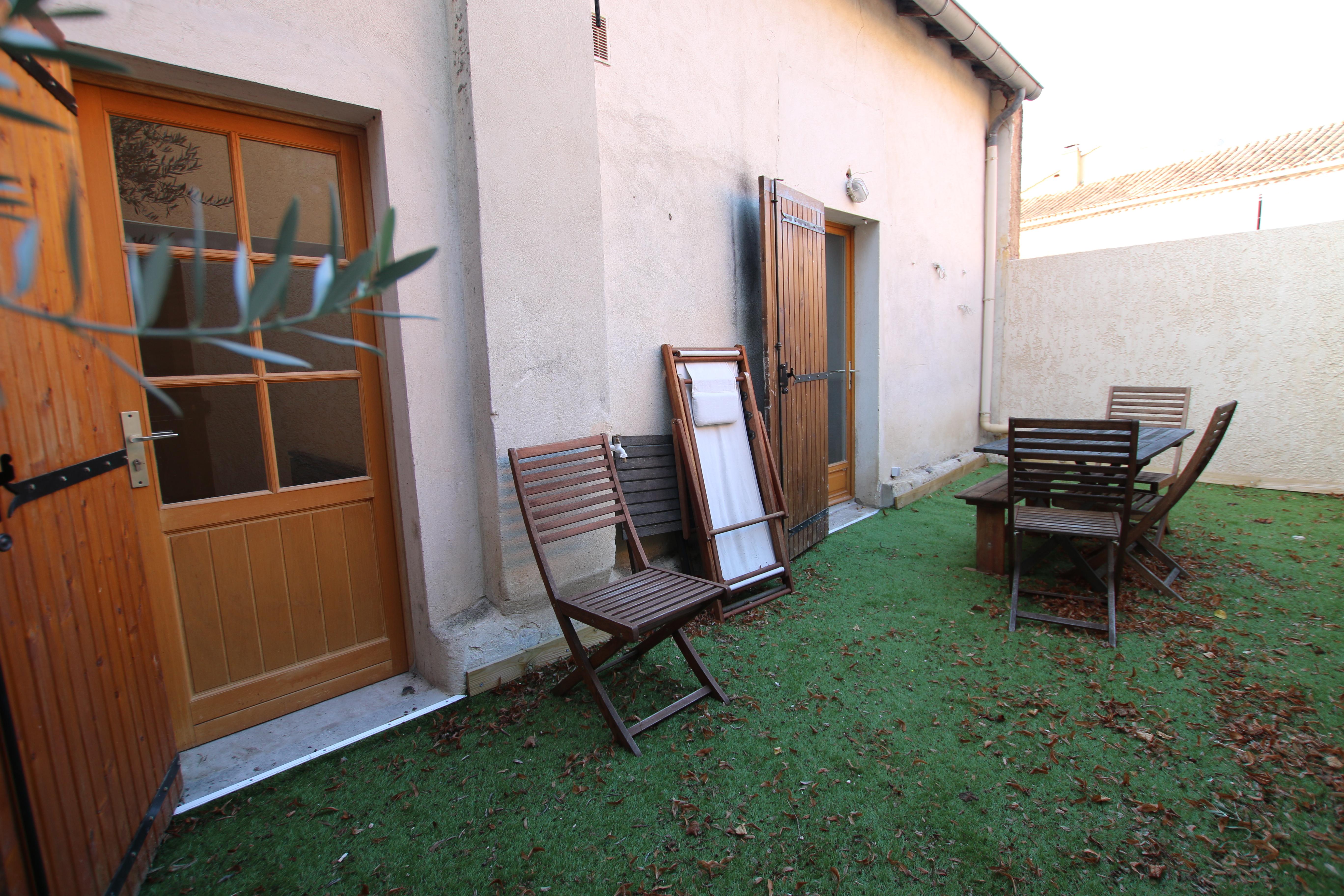 Mormoiron : maison avec terrasse
