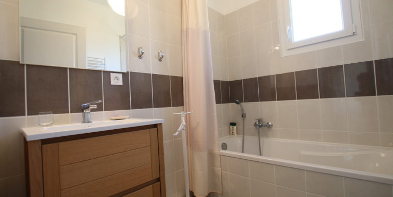 Caromb villa salle de bain