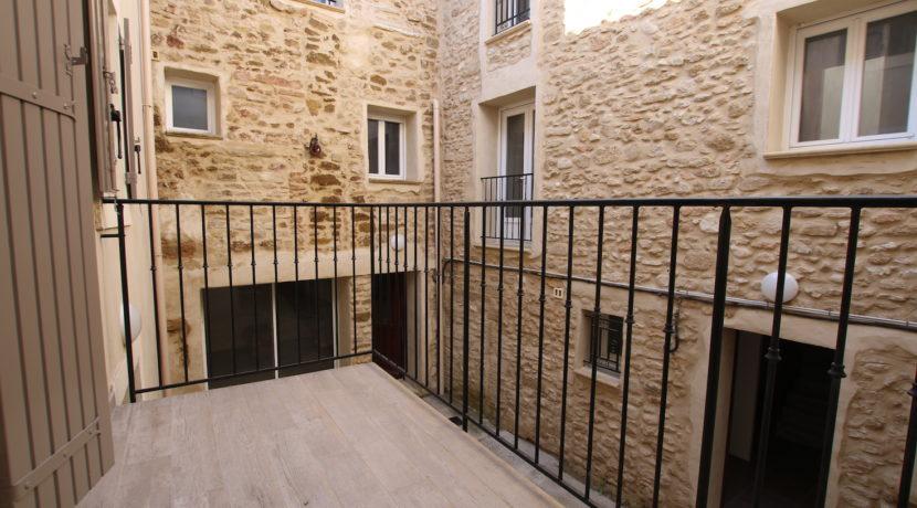 Aubignan maison avec exterieur balcon