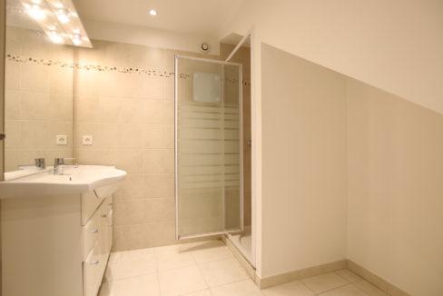 Aubignan maison avec exterieur douche