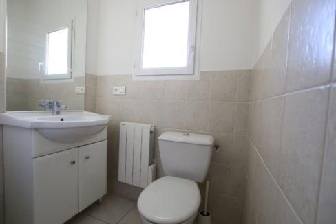 Aubignan maison avec exterieur toilettes