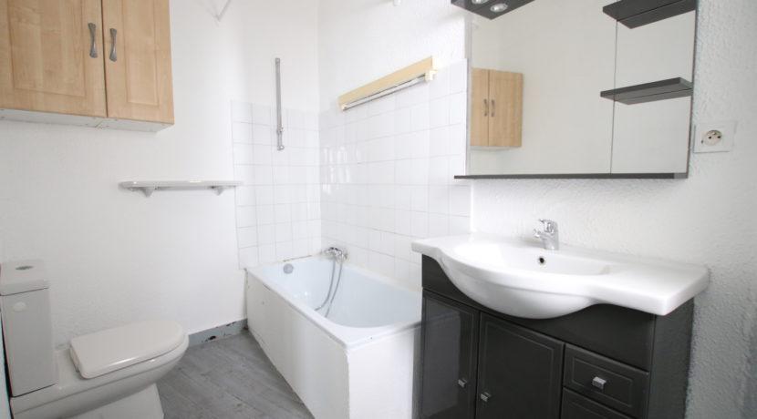 Carpentras T2 salle de bain