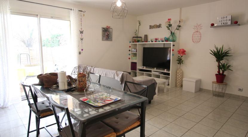 Carpentras T3 avec jardin salon