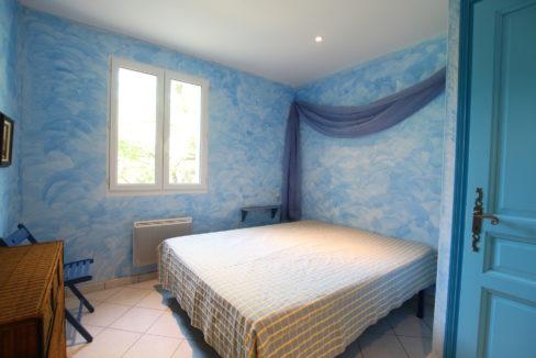 Malaucene maison chambre 3 copie