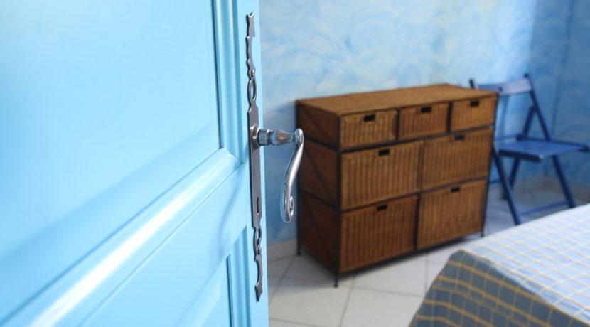 Malaucene maison chambre détail copie