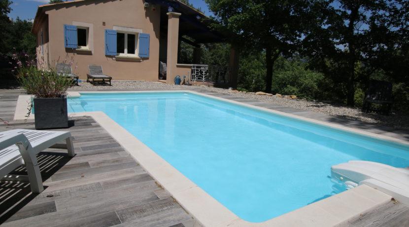 Malaucene maison piscine jardin