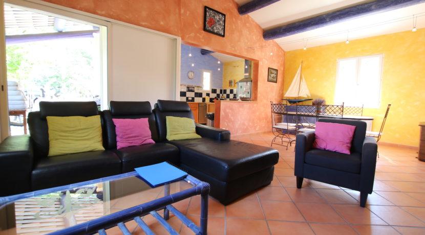 Malaucene maison salon terrasse copie