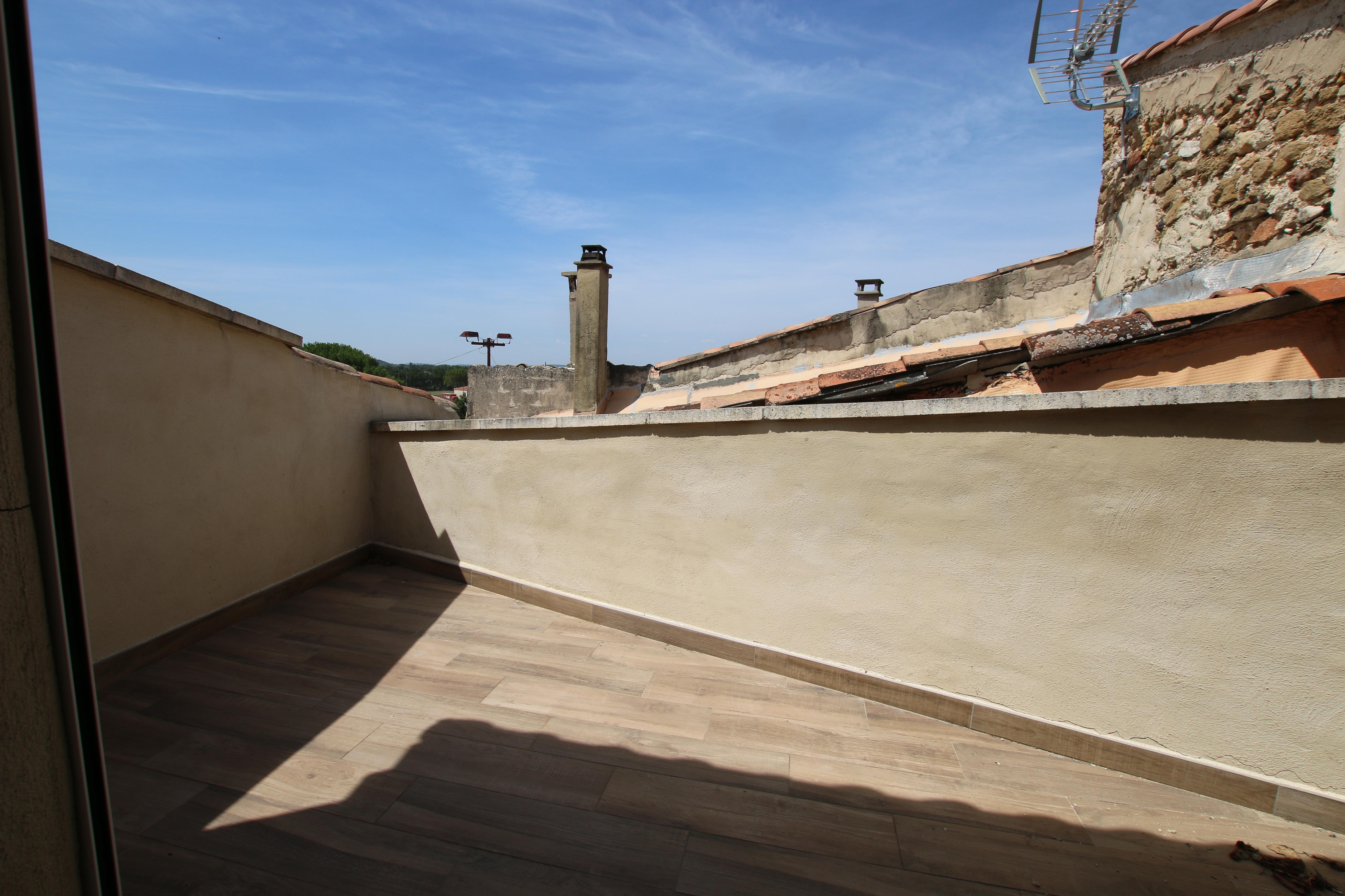 Aubignan : T3 avec terrasse de toit