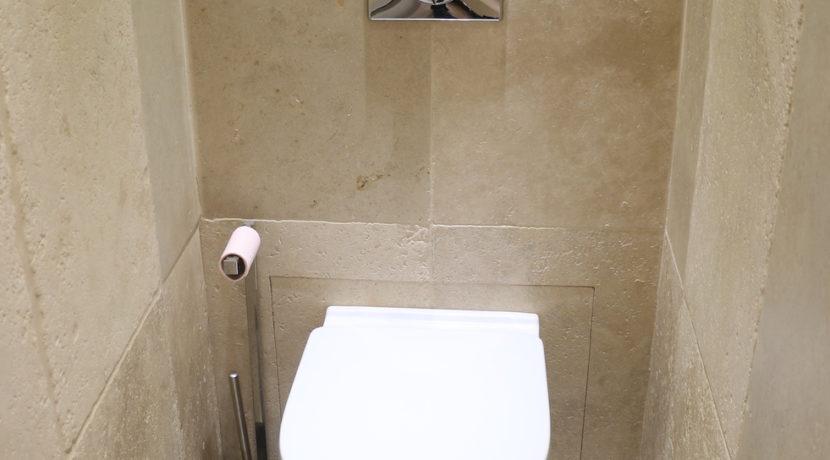 Isle sur la Sorgue maison wc independent