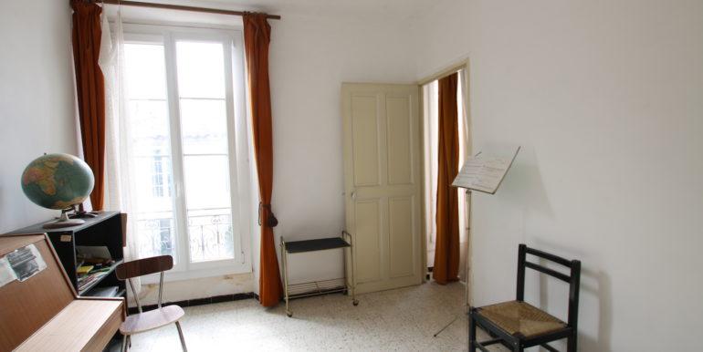 Carpentras appartement T3 vue chambre