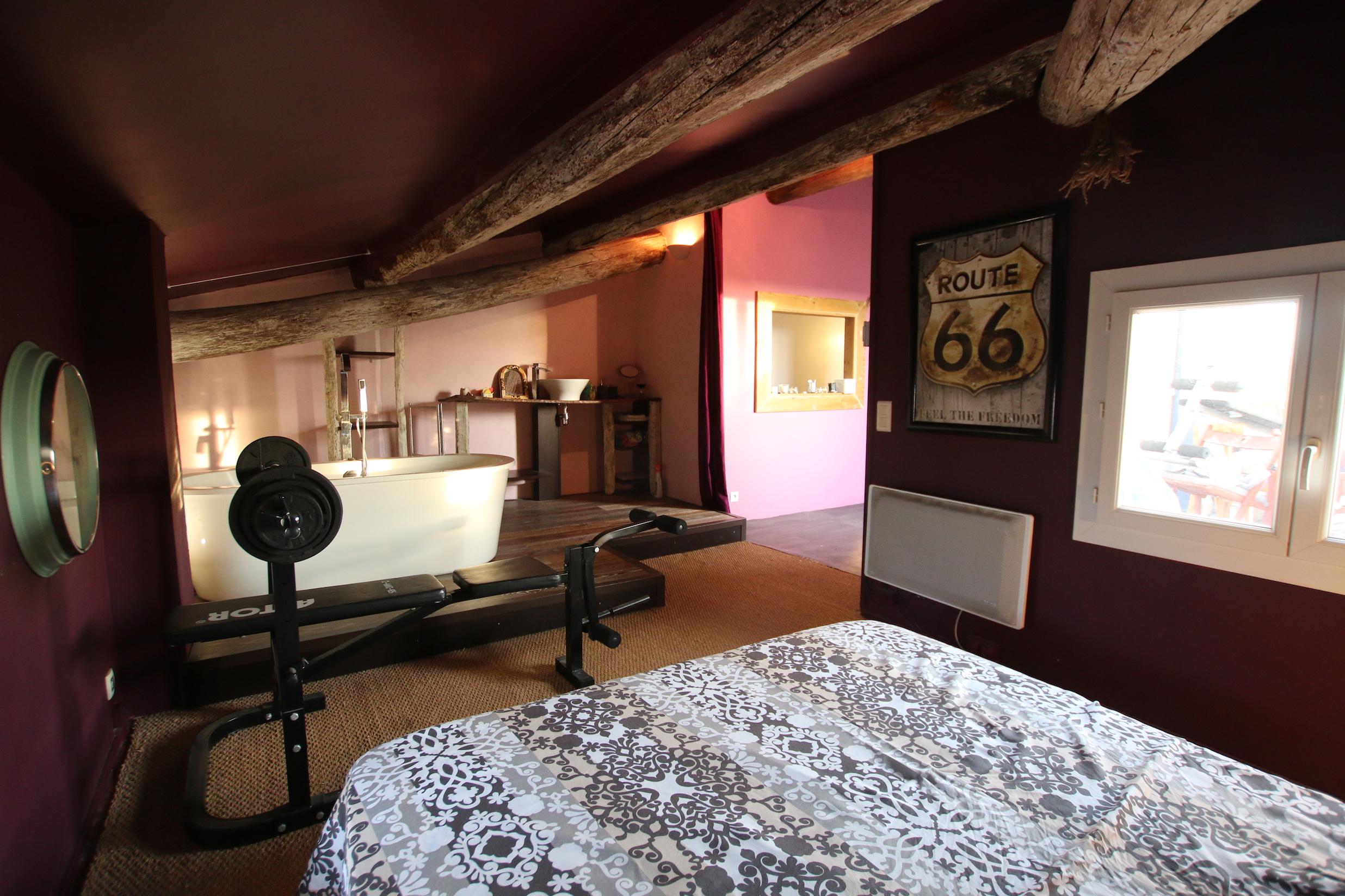 Mallemort maison de village chambre suite