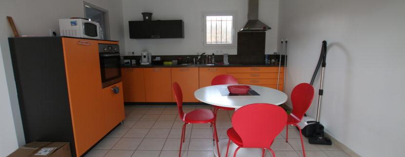 Mormoiron villa_cuisine