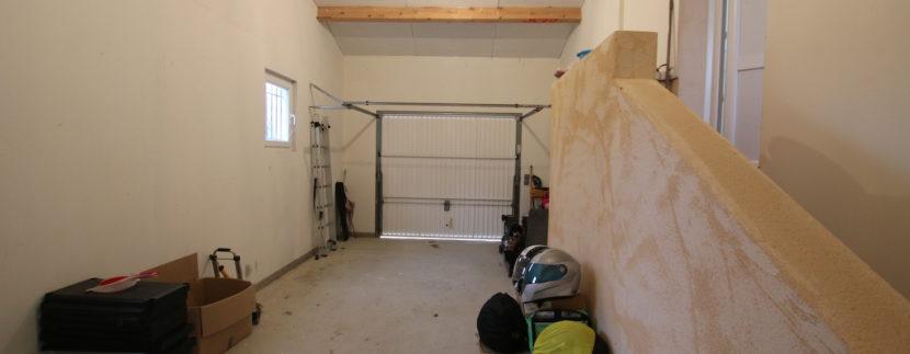 Mormoiron villa_garage