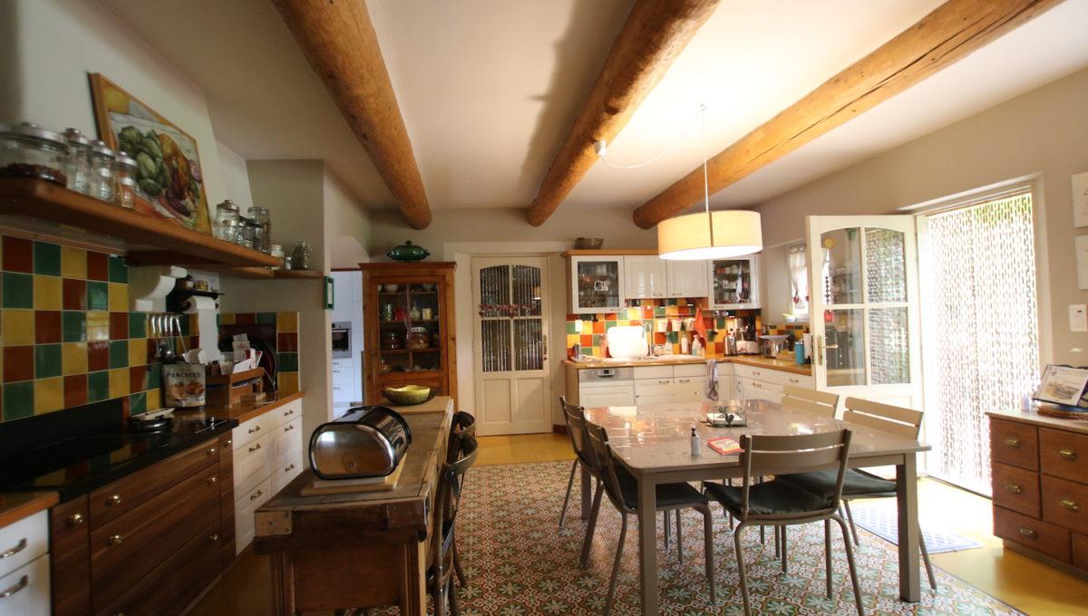 Carpentras demeure de charme cuisine
