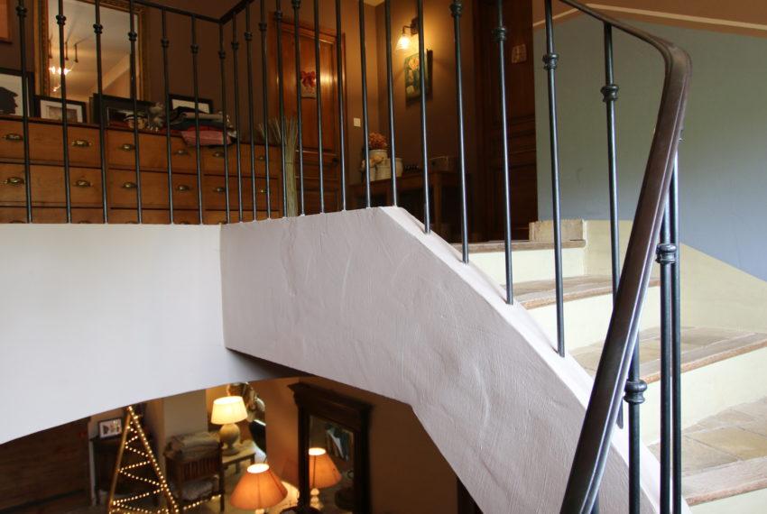 Carpentras demeure de charme escalier