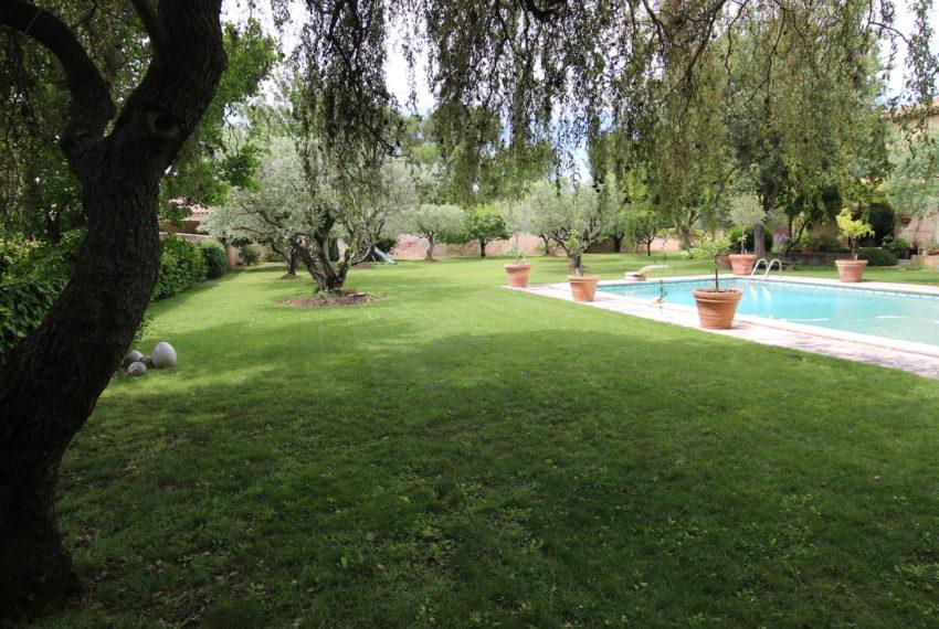 Carpentras demeure de charme jardin cloturé
