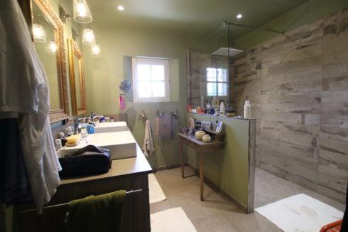 Carpentras demeure de charme salle d'eau suite parentale