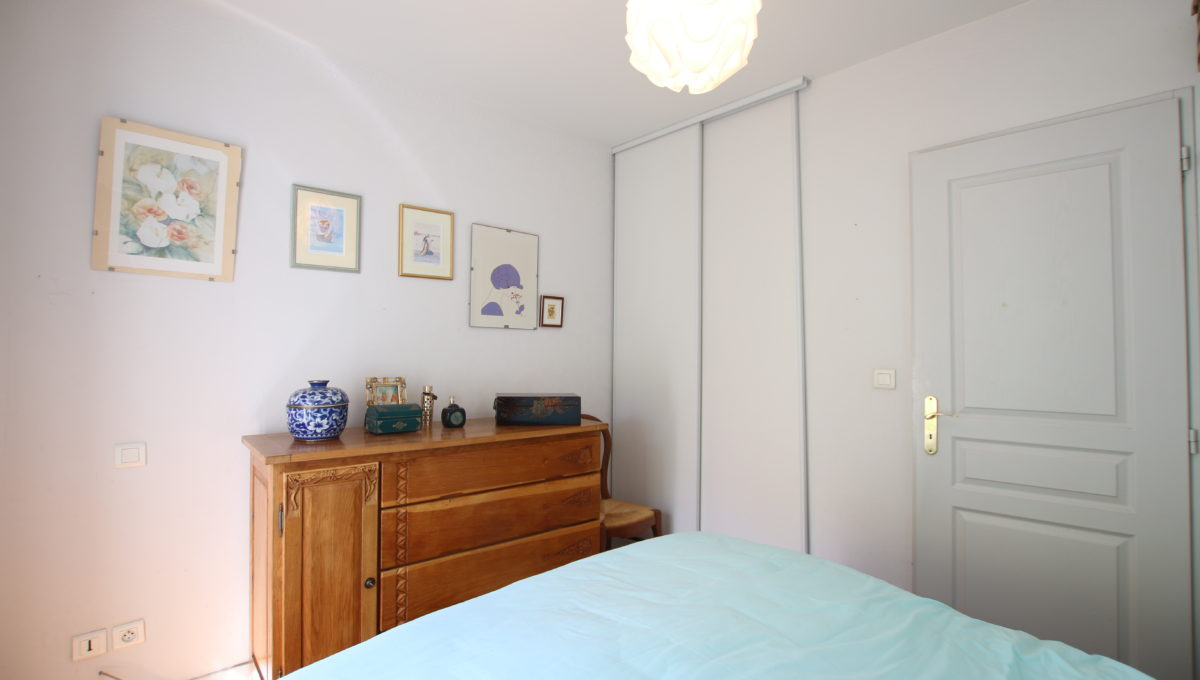 Carpentras appartement chambre bis