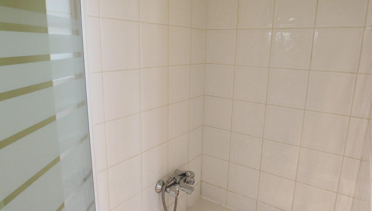 Carpentras appartement douche