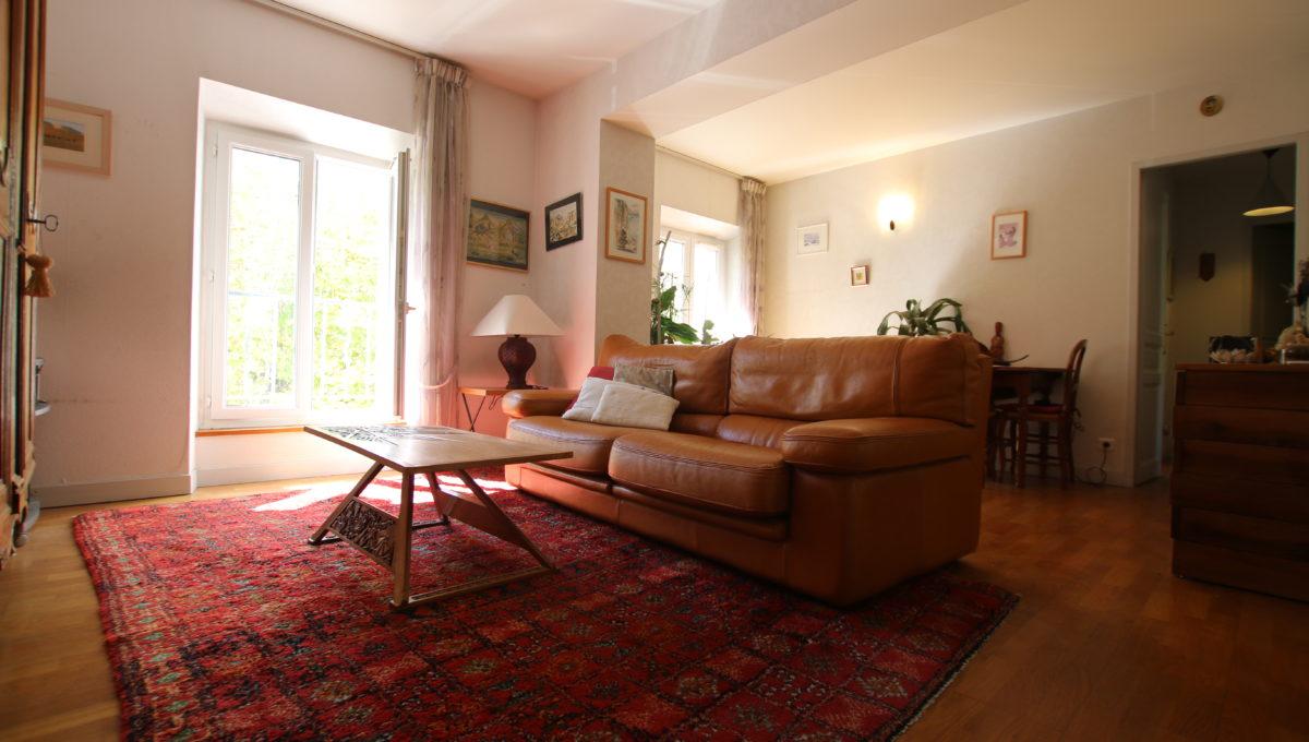 Carpentras appartement pièce de vie