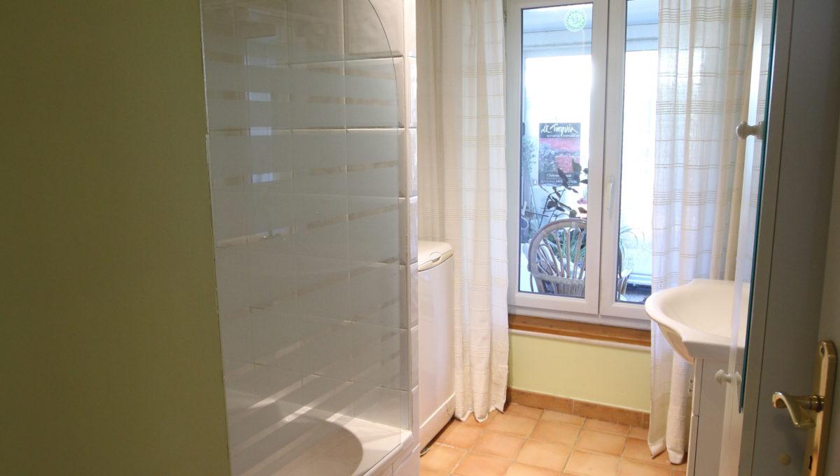 Carpentras appartement salle d'eau