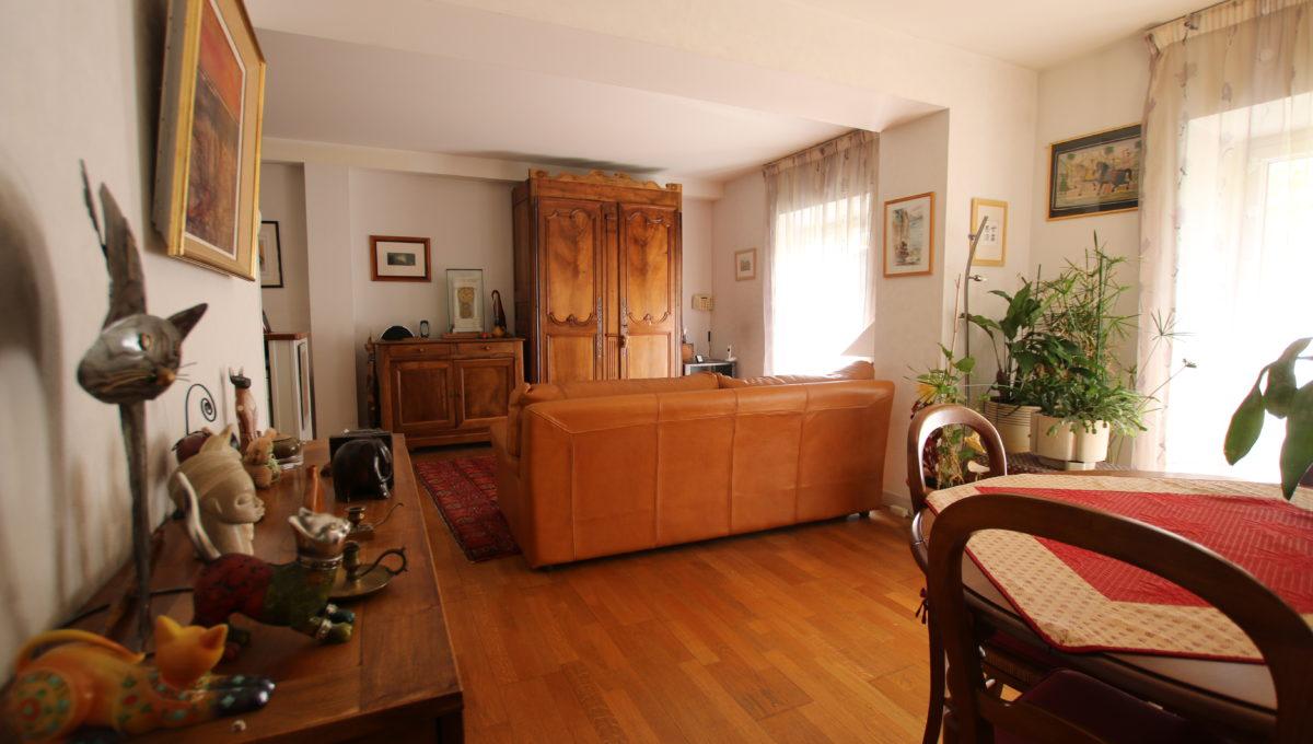 Carpentras appartement sejour
