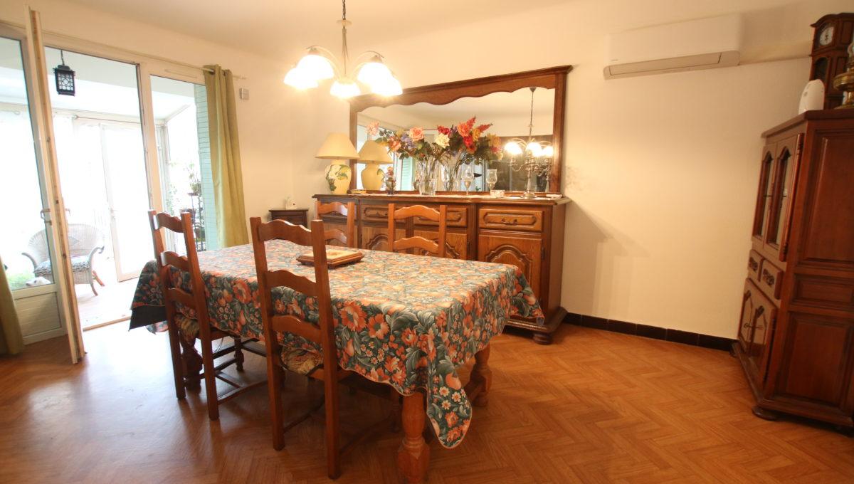 Carpentras maison avec jardin salle à manger