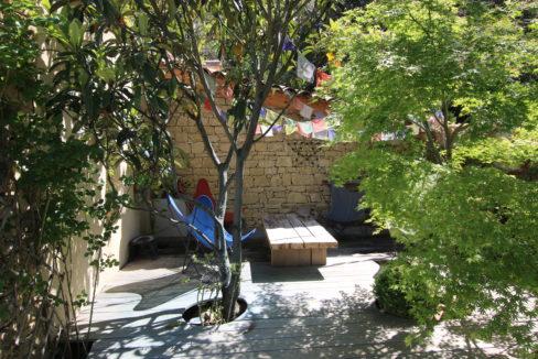 La Roque sur Pernes propriété avec vue espace intime