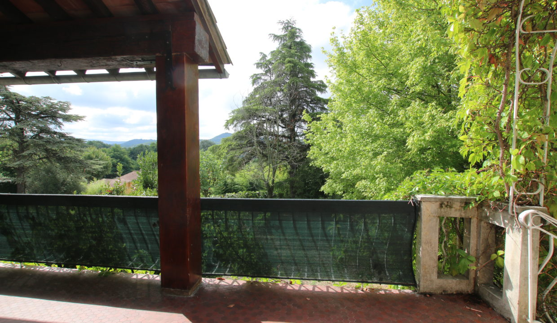 Mormoiron maison avec jardin vue terrasse