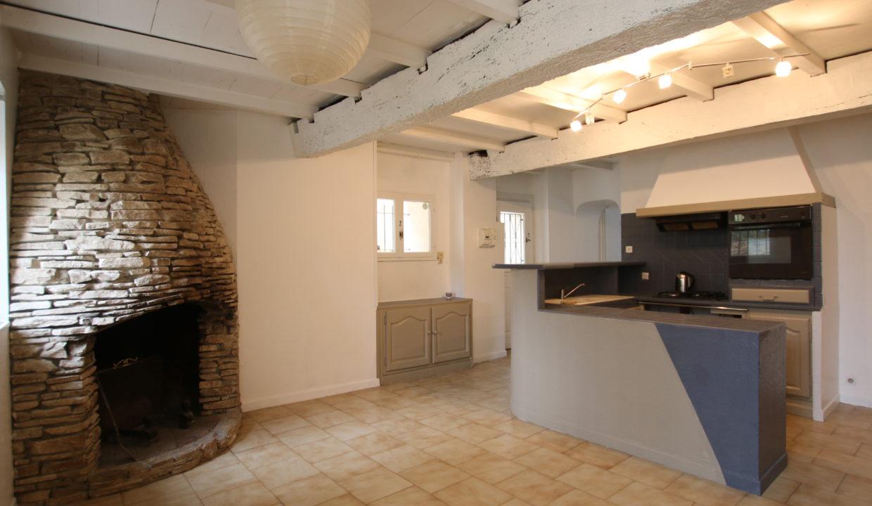 Vedene maison de village cuisine cheminée